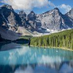 beautiful-moraine-lake-in-banff-national-park-albe